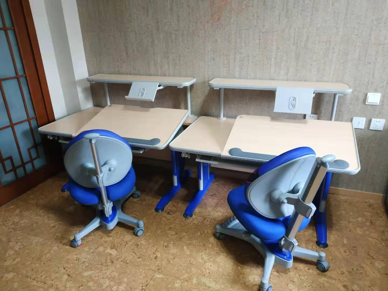 益卡思儿童书桌椅