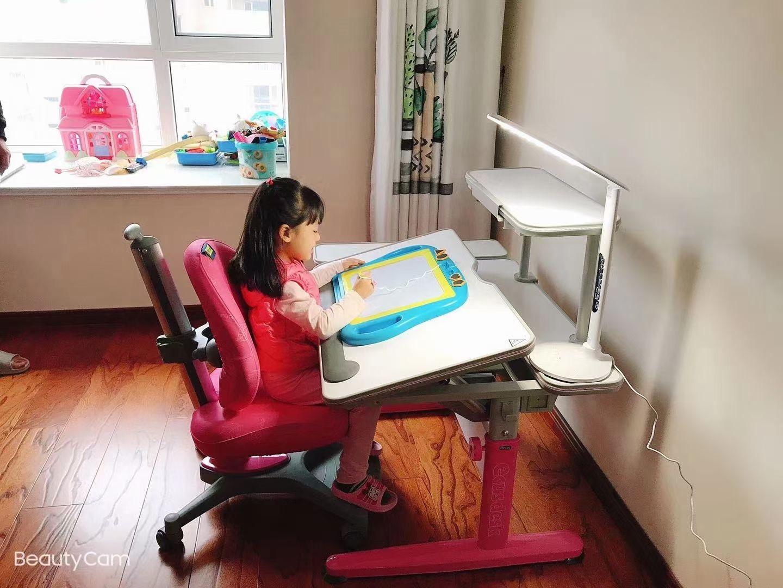 益卡思儿童学习桌椅-1