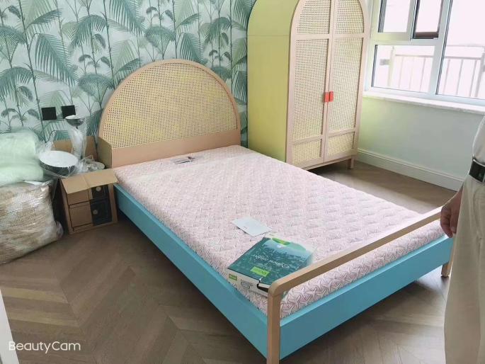 益卡思儿童护脊床垫